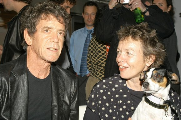 Anderson with her husband, Lou Reed, and Lolabelle (Lawrence Lucier/Getty)