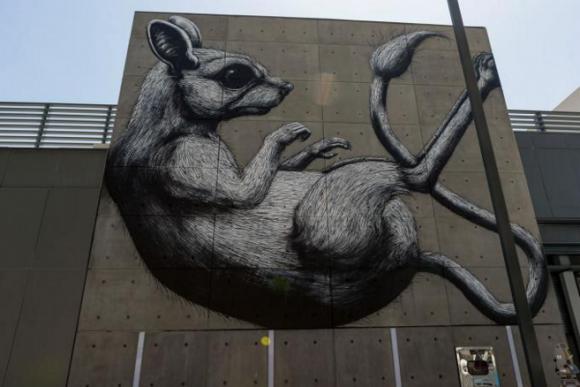 A giant desert rat by Roa
